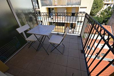 Appartement Nice 1 piece studio meuble Rue Barberis