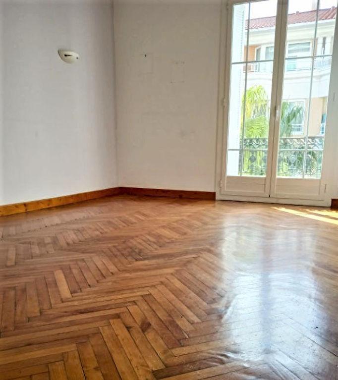 Appartement 4 pièces au centre de Beaulieu avec une terrasse de 10m2