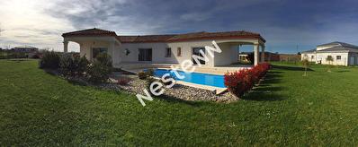 Foulayronnes - Maison recente de 6 pieces avec piscine et garage.