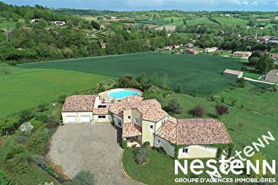 Maison d'architecte de 200 m2 avec piscine.
