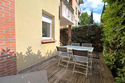 AGEN - Appartement Type 2 avec terrasse et parking.