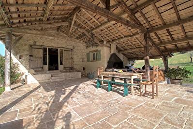 COLAYRAC ST CIRQ - Maison en pierre de caractere avec 4 chambres, dependances et piscine.