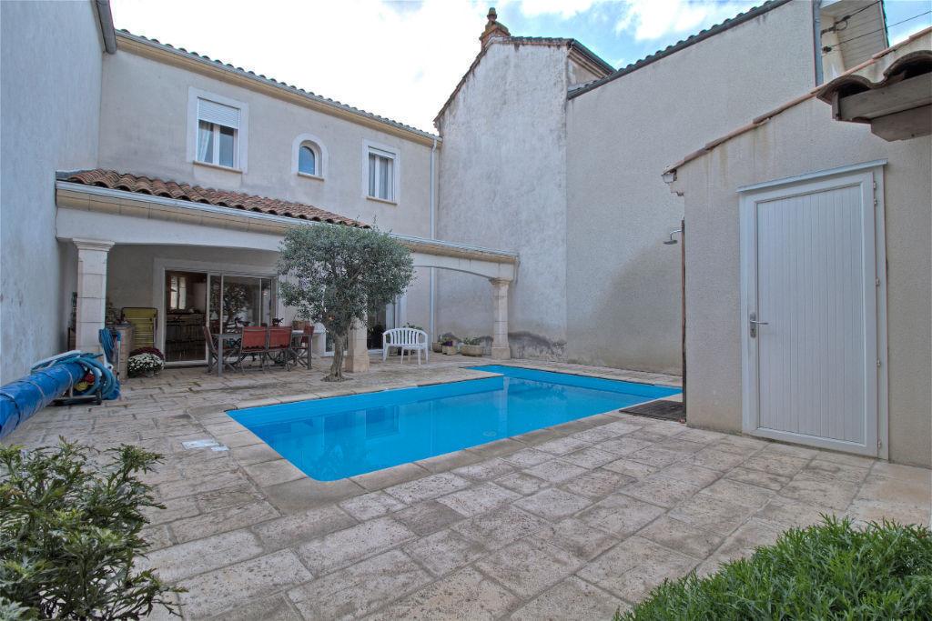 Agen centre quartier Palissy - Maison de ville 180 m² avec garage, extérieur et piscine.