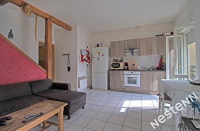 AGEN - Appartement T2 bis en duplex loue