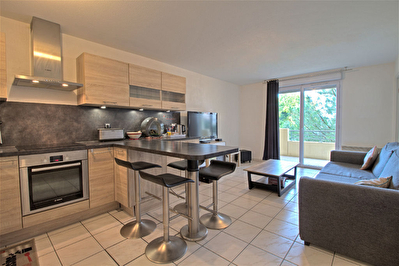 AGEN - Appartement T3 avec terrasse, ascenseur et parking couvert