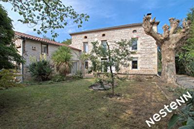 Colayrac Saint Cirq - Maison en pierre 5 chambres avec piscine et garage.