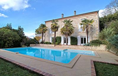 Coteaux de Bon Encontre - Maison en pierre avec vue, 6 chambres avec piscine et jardin.
