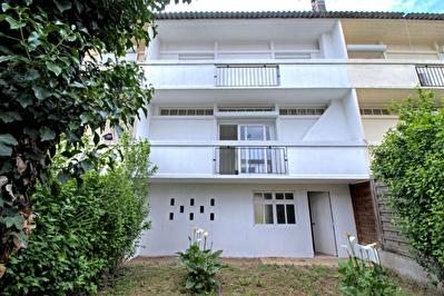 LE PASSAGE - A VENDRE - Maison T4 de 90m2 habitables avec garage et jardin.