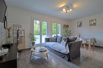 AGEN - Appartement T3 renove avec garage, parking et 2 balcons.