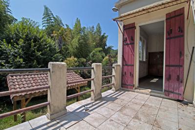 AGEN - A VENDRE - Maison individuelle comprenant 3 chambres, garage et jardin.