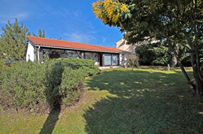 FOULAYRONNES - Maison plain-pied 3 chambres avec jardin et double garage.