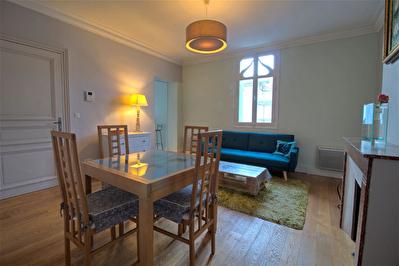 A LOUER - Agen Centre - Appartement meuble de 3 pieces principales