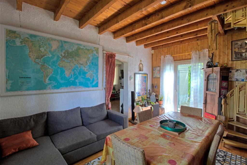A Vendre - Sainte Colombe En Bruilhois - Maison dans un cadre idyllique