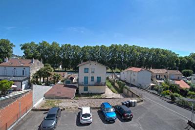A VENDRE AGEN CENTRE - Appartement T2 avec balcon, cellier et stationnement.