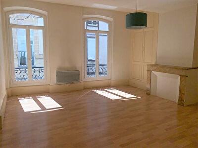 A LOUER - Centre ville d'Agen - Appartement 2 pieces principales