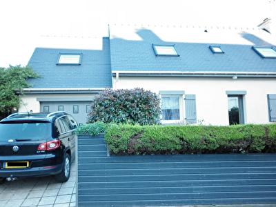 Maison non mitoyenne Brest 107m2 avec garage ferme