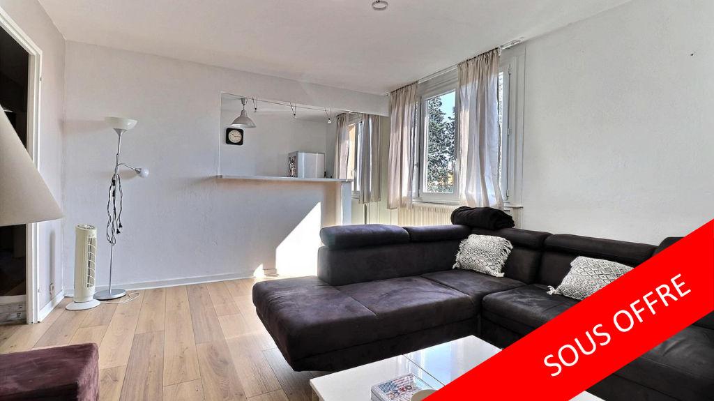 Pierre-Bénite, appartement 3 pièces, au calme, et à 2 minutes à pieds du centre..