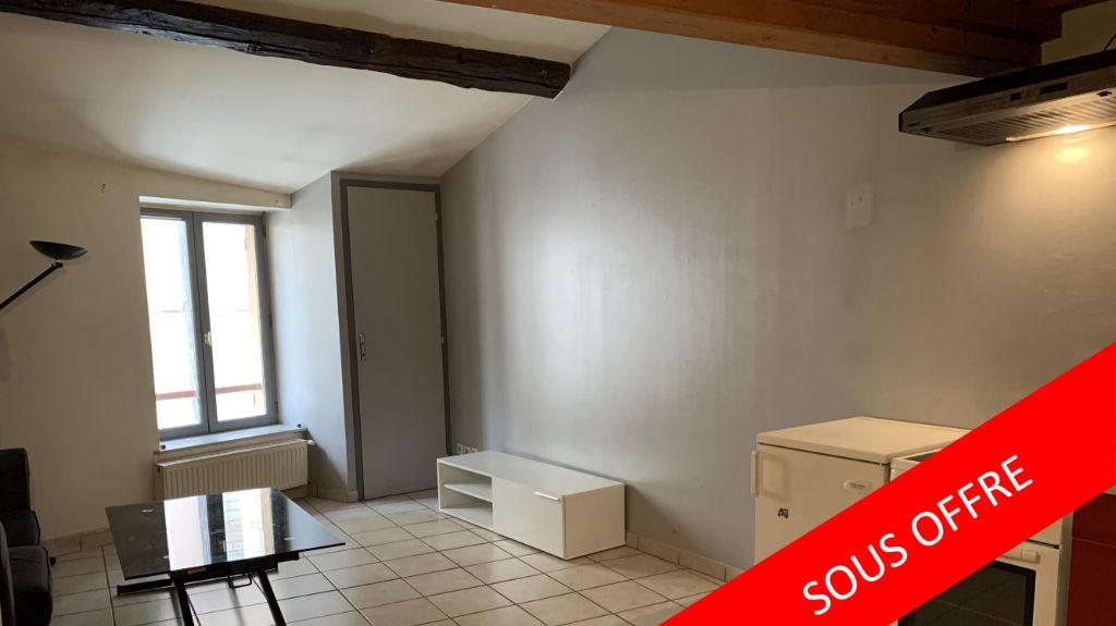 BRIGNAIS, appartement en duplex, meublé, 2 pièces, en hyper centre ville de Brignais.