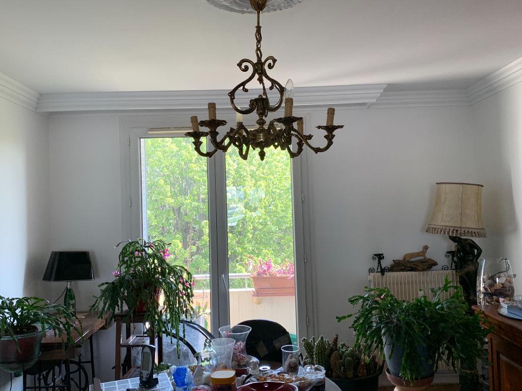 Appartement Pierre-Bénite, 3 pièces, 57,m2, avec balcon.