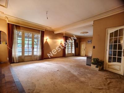 Seilhac -  Maison 610 m2 dont une partie commerciale - Terrasse 150m2 - Terrain 4780 m2