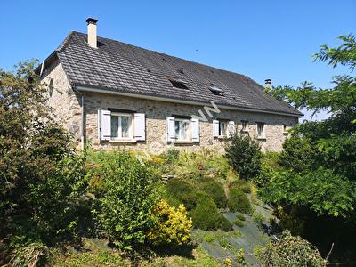 Allassac - Grange renovee 150 m2 - 3 chambres - 2020m2 terrain