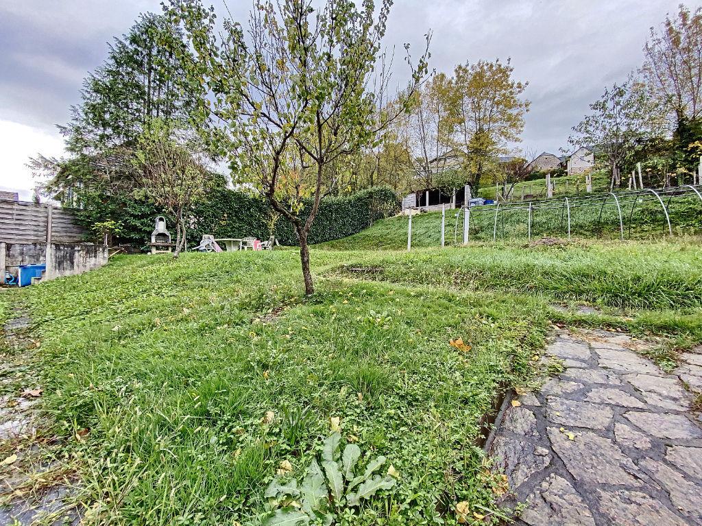 Malemort-sur-Corrèze - Immeuble 186 m2 sur 3 niveaux - Jardin 842 m2