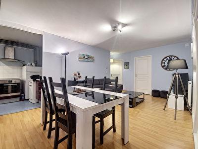 Appartement Tulle quartier du Trech 3 pieces - 1 salon sejour - 1 cuisine ouverte - 2 chambres - 1 salle d'eau - 1 terrasse -1 balcon - 1 garage