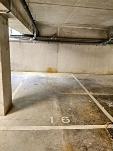 place de parking de 11.90 m2 - place N°17
