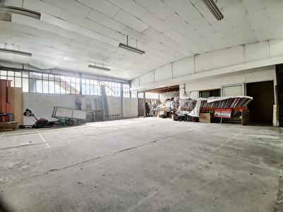 Entrepot ou local industriel Brive La Gaillarde 250 m2 - 1 depot - 1 bureau - 1 WC - 1 Cuisine - 1 mezzanine