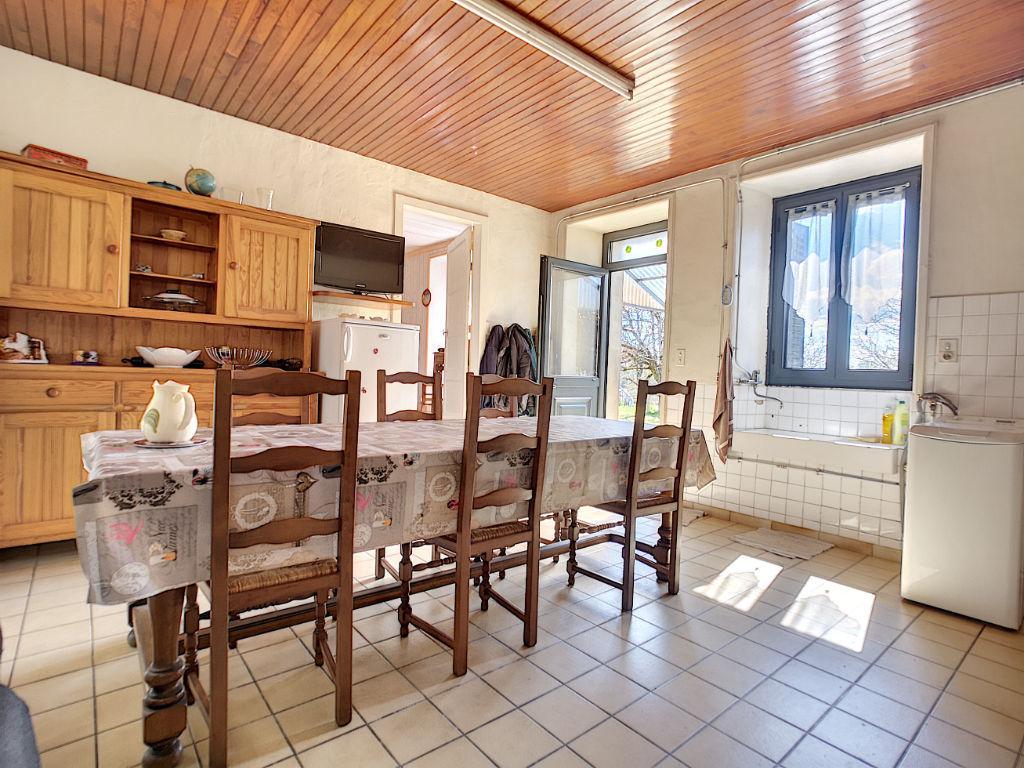 Propriété Vigeois 3ha - 1 maison d'habitation - 2 granges - 1 garage - 1 puit