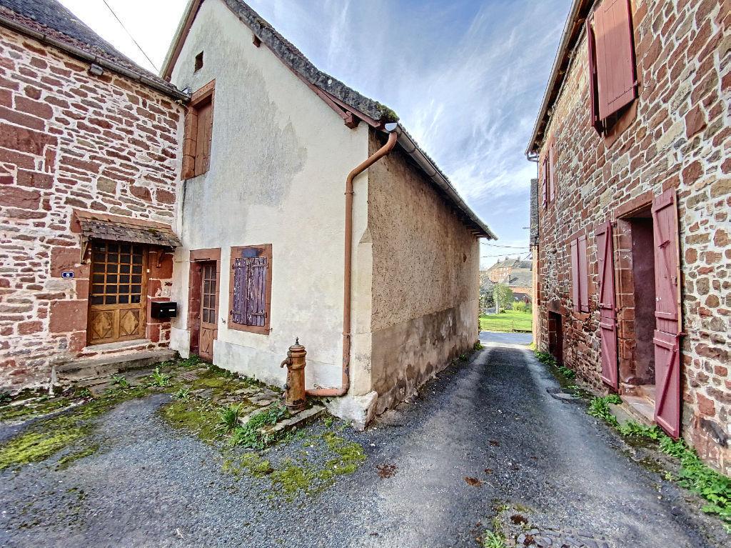 Maison Meyssac à restaurer -  3 pièces 66 m2 - Garage