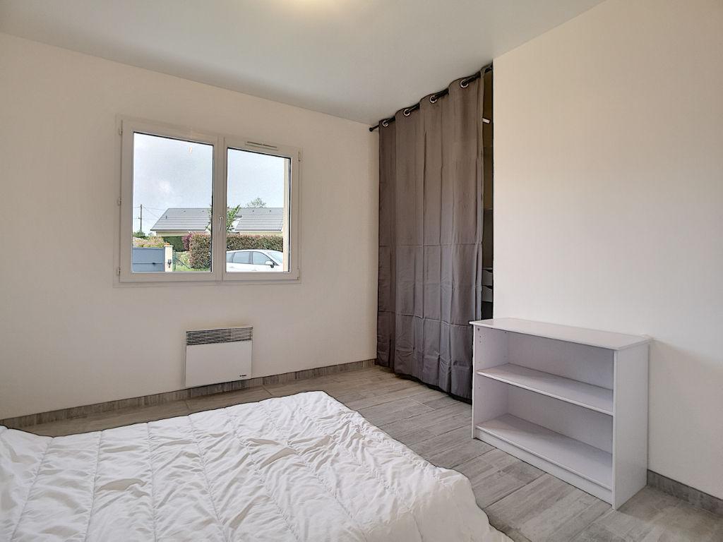 Maison Gimel Les Cascades 160M² - 4 chambres - cuisine ouverte aménagée équipée - 1 sdb - 1 comble - 1 double garage - 1 terrasse - 2 dépendances - 1 serre chauffée