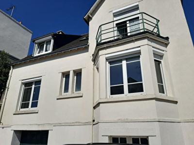 Concarneau maison  6 pieces 120 m2 proche commerces et sentiers cotiers.