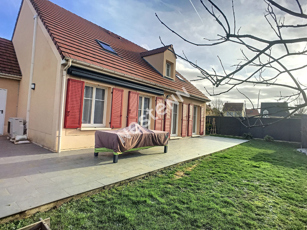 Maison Le Coudray Montceaux