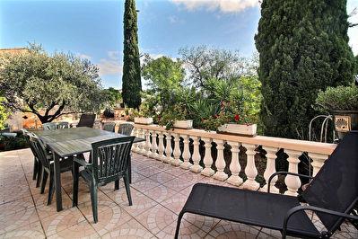 Cuers - Maison T5 102.17 m2 , 4 chambres, jardin arbore, garage.