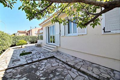 HYERES GARE - Maison T5 de 85 m2 plain-pied, dependances, potentiel locatif