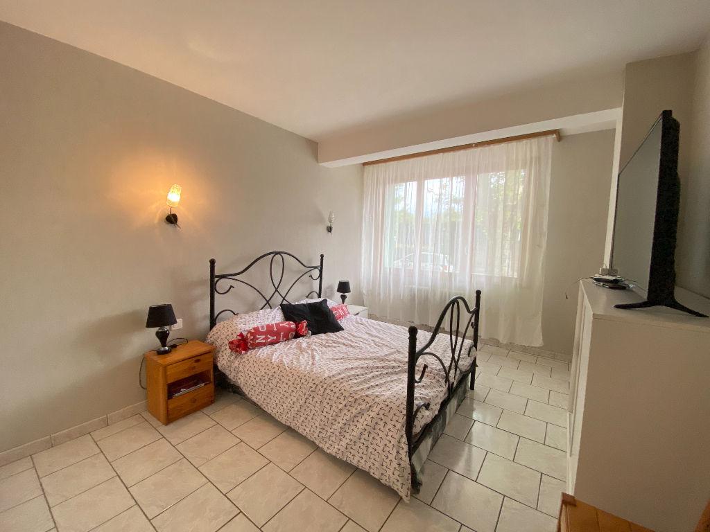 HYERES GARE - Appartement T4 de 97 m2, parking, cave