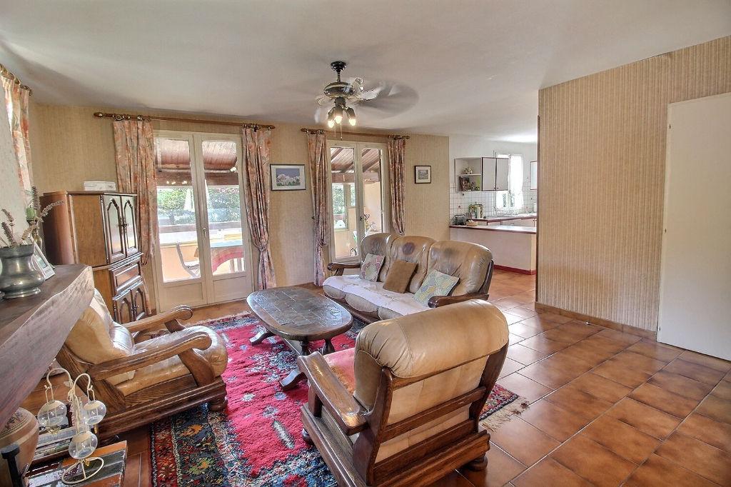 Maison Hyeres 6 pièce(s) 127.57 m2 - HYERES Secteur calme, résidentiel et recherché