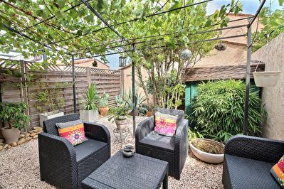 HYERES ALMANARRE - Maison T3 de 70 m2, jardin, proche commodites et plages