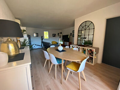 Appartement Hyeres 4 pieces 90.86 m2 - HYERES OUEST Residence securisee et proche de toutes les commodites