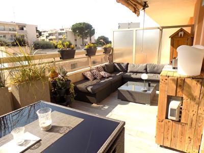 Appartement Le Cannet 2 pieces 35 m2 terrasse sud