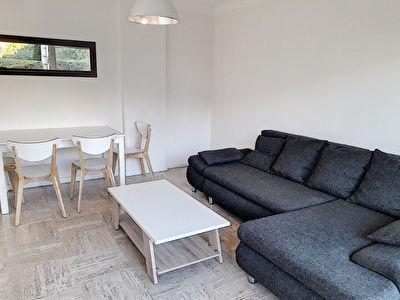 Cannes location meublee 2 pieces avec terrasse,garage et cave