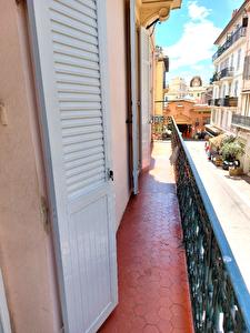 Cannes Location vide grand 2 pieces balcon Forville