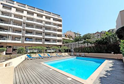 Cannes 2 pieces meuble vue piscine square mistral