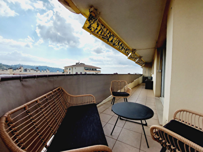 Le Cannet limite Cannes dernier etage toit terrasse 3 pieces