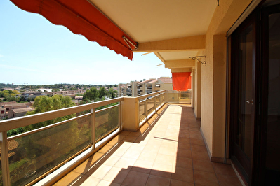 Appartement La Garde 4 pieces 84 m2 - Terrasse Sud, cave, ascenseur