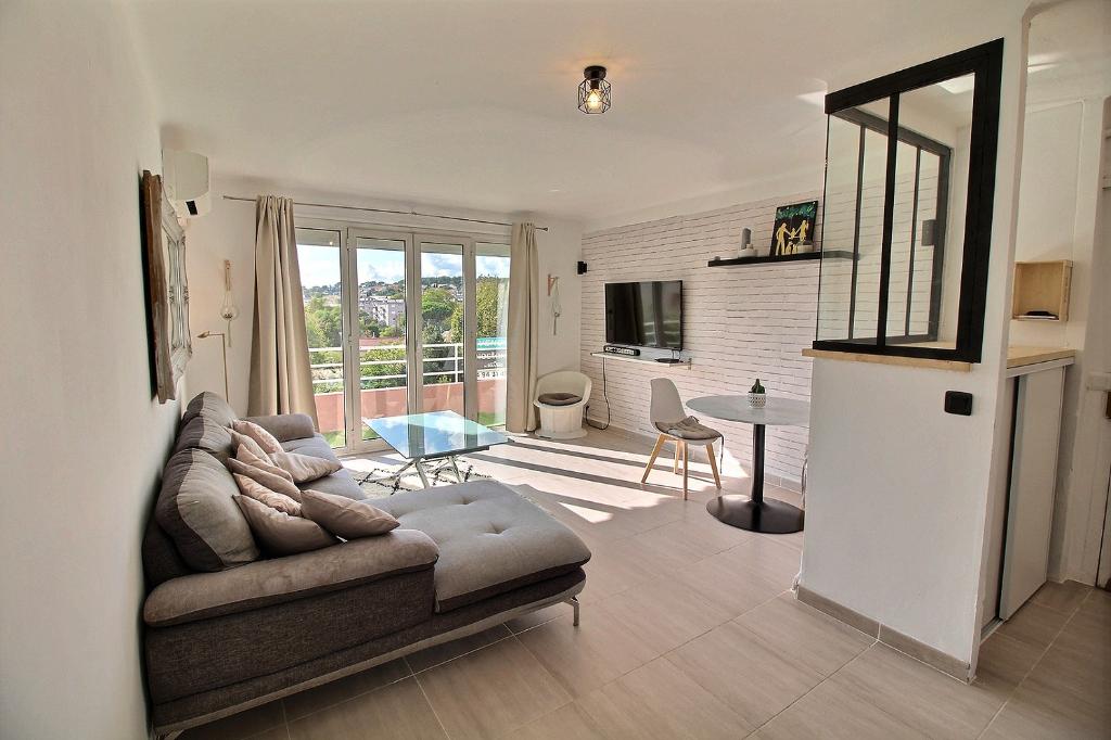 Appartement La Garde 3 pièce(s) 58 m² - Proche commodités, résidence sécurisée, habitable de suite, parking et cave