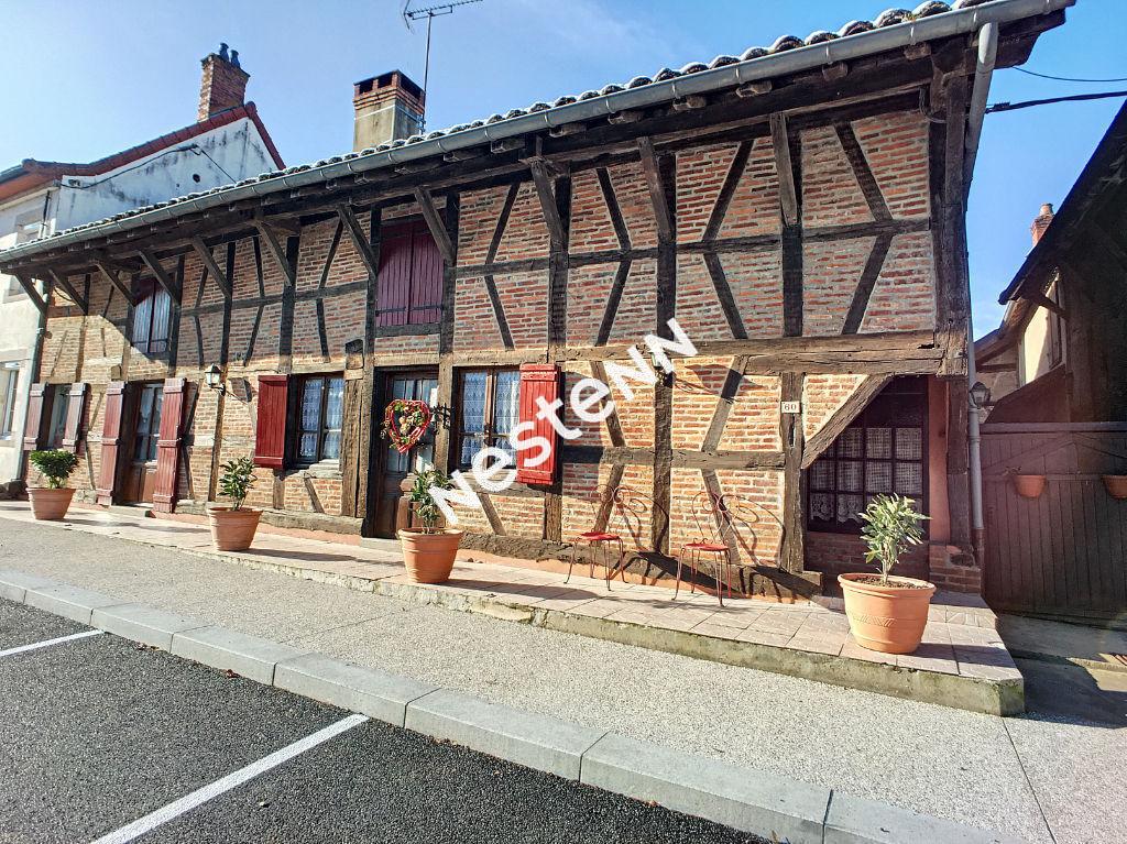 Maison de ville sur Sainte Croix proche Louhans