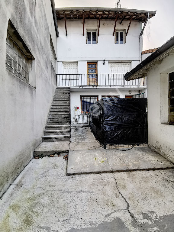 Grand duplex 147m2 5 chambres en plein bourg d'un village accueillant