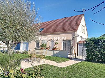 Maison spacieuse avec piscine entre Louhans et Chalon Sur Saone